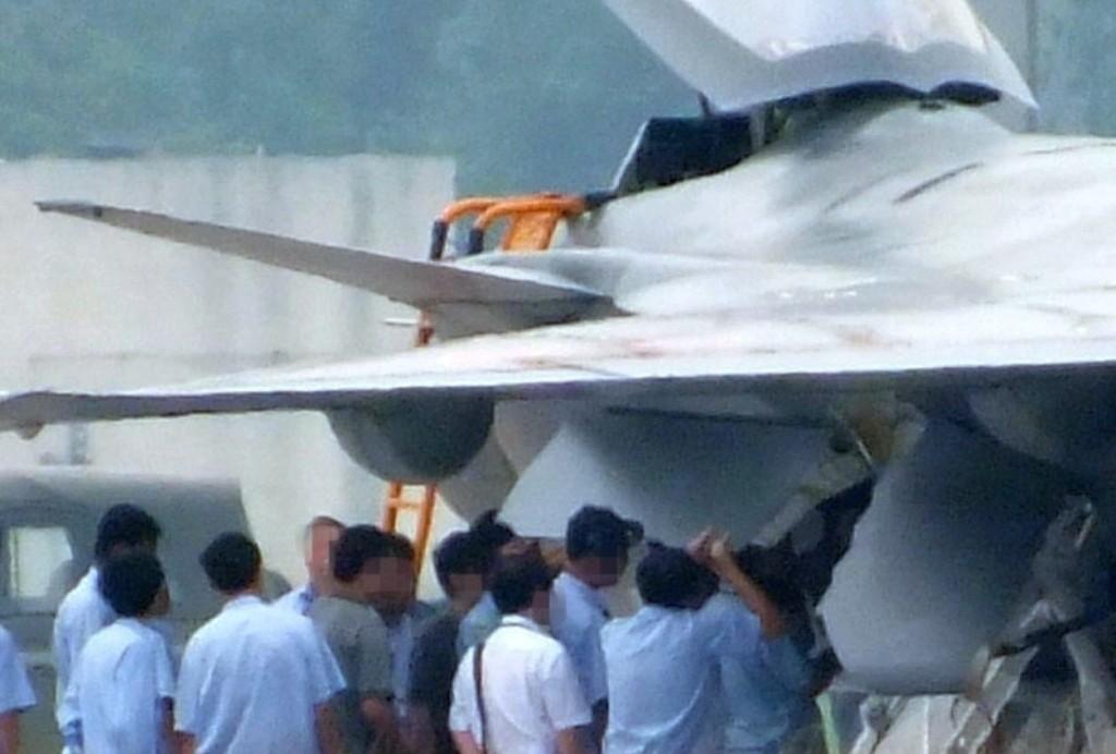 J-20: El caza chino de quinta generación